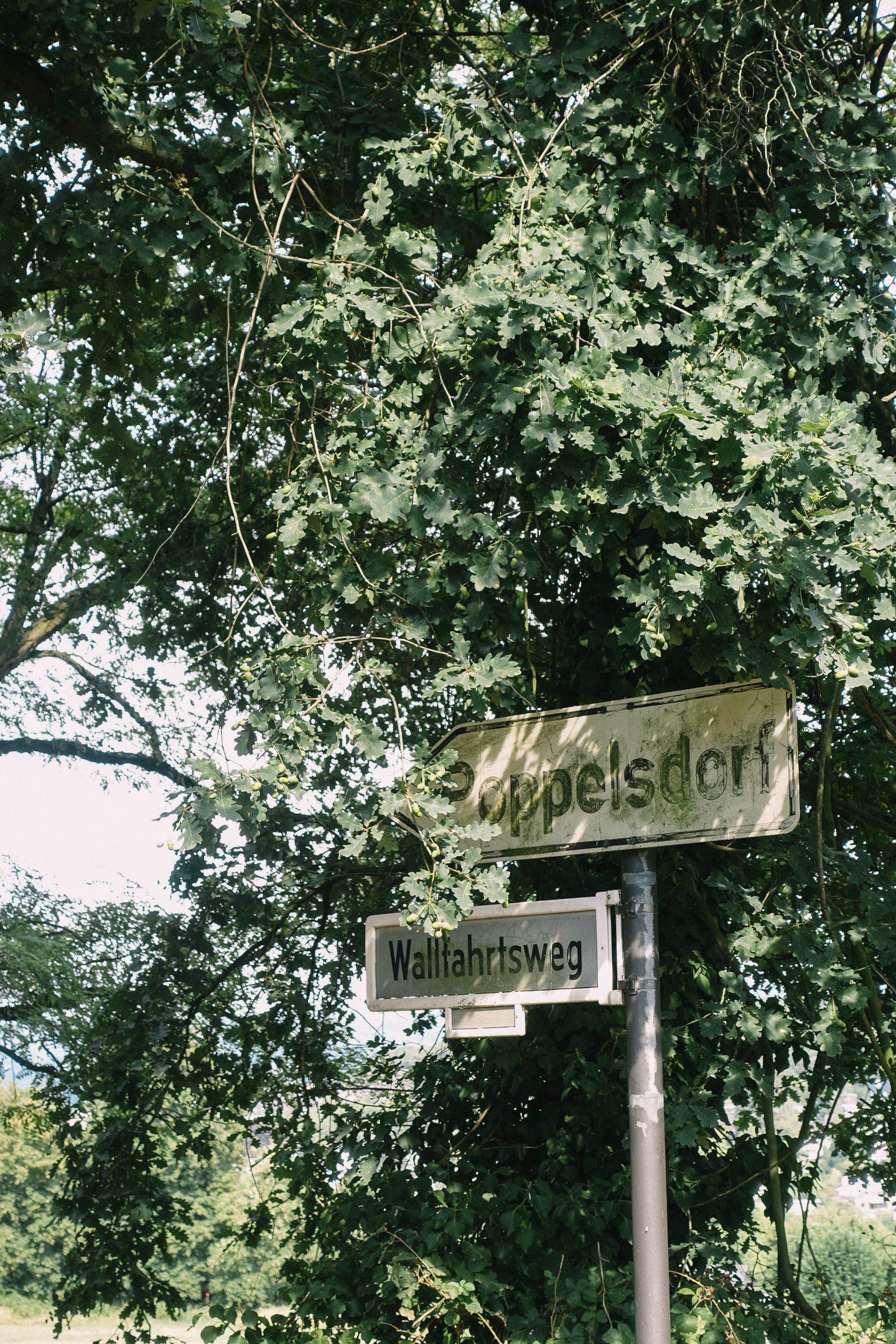 Bonn-Ippendorf, Ortsschild Poppelsdorf, Straßenschild Wallfahrtsweg